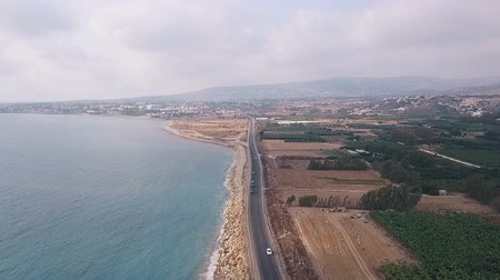 столовая гора : Beautiful sea aerial view, drone shot along the coast of Cyprus Стоковые видеозаписи