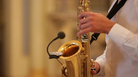 saxofone : Close up on the hands of a sax player Stock Footage