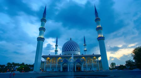 4K Timelapse of Majestic Mosque in Shah Alam
