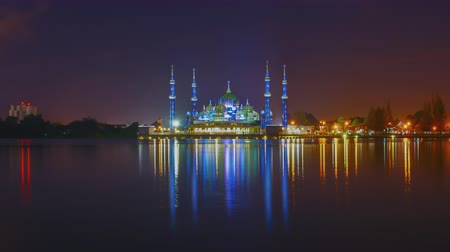 kristallen : Timelapse Crystal Mosque 's nachts Stockvideo