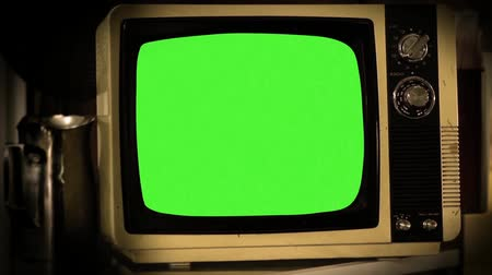 наложение : Old Green Screen Tv. Ready to replace green screen with any footage or picture you want.