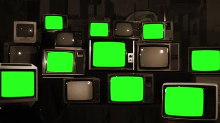 аналог : Many Tvs Green Screens. Sepia Tone. Aesthetics of the 80s. Ready to Replace Green Screens with Any Footage or Picture you Want. Стоковые видеозаписи