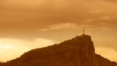 Рио : Corcovado Hill and Christ with clouds dynamic in Rio de Janeiro,Brazil Стоковые видеозаписи