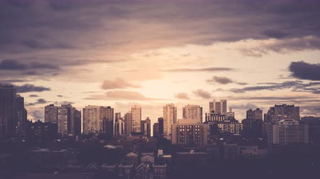 уличный свет : City Downtown Buildings with vintage colors and sun, Time lapse with dynamic clouds