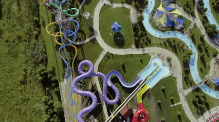 tüpler : Aerial view above water park with water slides and pools