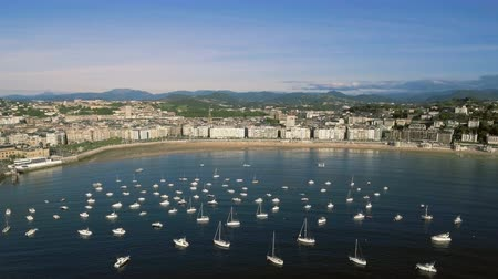 nações : Aerial Above the Boats in Concha Bay with San Sebastian Buildings, Spain Vídeos