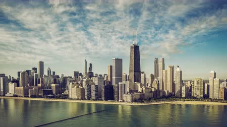pénzügyi negyed : Chicago Skyline aerial skyscrapers with moving clouds , vintage colors