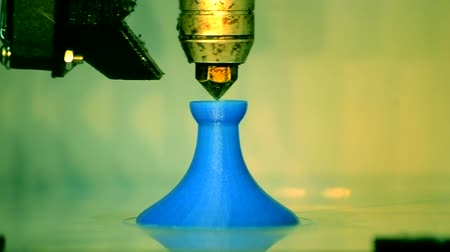 fotokopi makinesi : 3d printing processing close-up. Blue model.