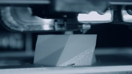 modelagem : 3D printer working. Fused deposition modeling, FDM. 3D printer printing an object from plastic. Automatic three dimensional 3d printer performs plastic. Progressive additive technology for 3d printing
