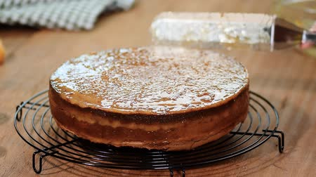 marmelada : A stage of cooking Sacher torte.