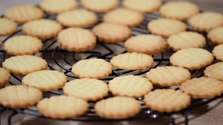 песочное печенье : Homemade Sweet Shortbread Cookies Ready to Eat.