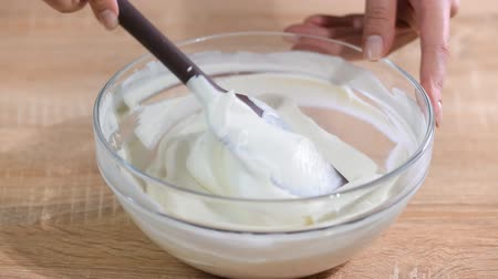 kitchen blender : Making of a cream for home-made cakes