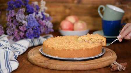 ovocný : Crumble apple cake. Ingredient, crust.