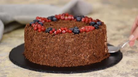 ribes rosso : Chocolate Napoleon cake of puff pastry with Berries.