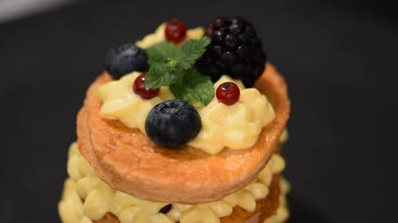 blackberry : French dessert millefeuille of puff pastry and custard cream.