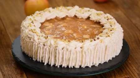 shovívavost : Delicious cake with apple and whipped cream filling.
