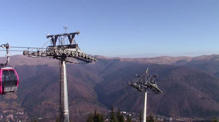 ložisko : Transportation system infrastructure with  cable cars at altitude in the mountains