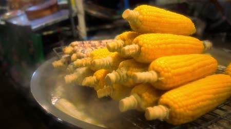 kukoricacső : Grilled Corn in night market Thailand