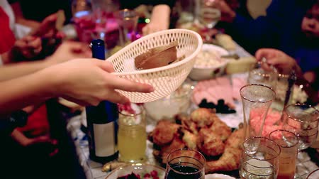 ziyafet : Holiday Event people. Celebration with a banquet, serves snacks at the table