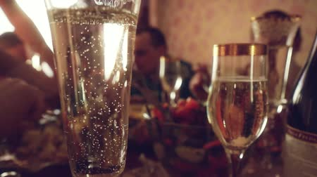 setting : Luxury decoration on celebrating table. Romantic party in slowmotion with blurred bokeh. 1920x1080