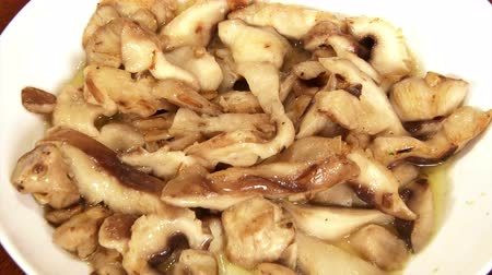 shiitake : Food, Shiitake mushrooms, served Stock Footage