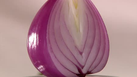 cebula : Red Onion, closeup, slow rotate