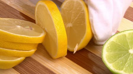luva : Fruits, cut lemon and apple, 2 clips Stock Footage