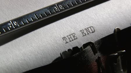 maszyna do pisania : Typewriter, The end - 2 clips sequence