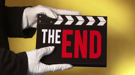 végre : Clapboard, The End, 3 short clips sequence.