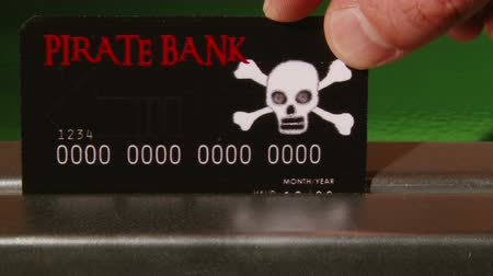 кража : Pirate Bank Credit Card, close up
