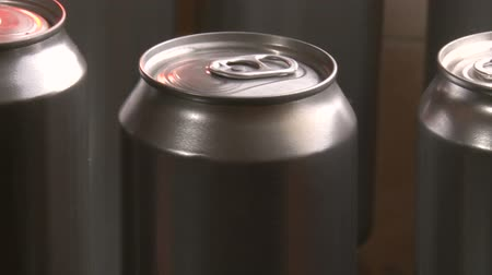 green soda can : Cans Factory, 3 clips