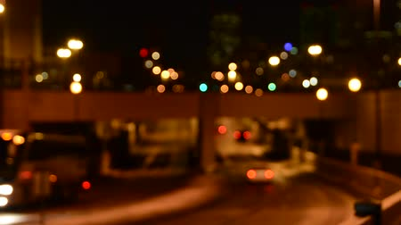 samochody : Cars going under an underpass, fading out of focus Wideo
