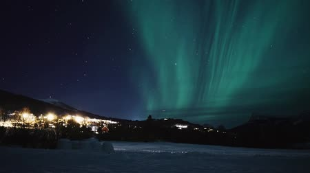 finlandiya : Aurora, Northern lights, Polar lights over Volda, Norway