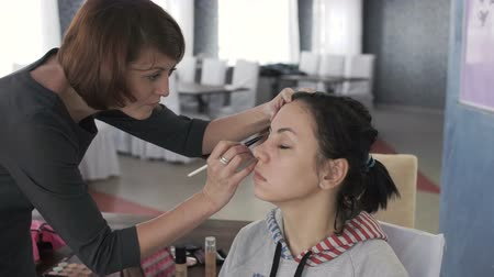 modelagem : Master class for make-up artists. Working with eyeshadow.
