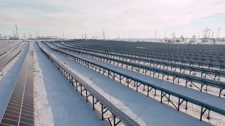 фотосинтез : Solar panels on a cold sunny day