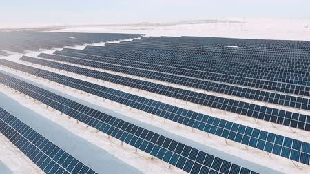 coletor : alternative energy solar power plant in the winter