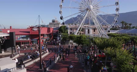 holiday makers : Panoramic view of the famous Victoria and alfred waterfront Cape Town