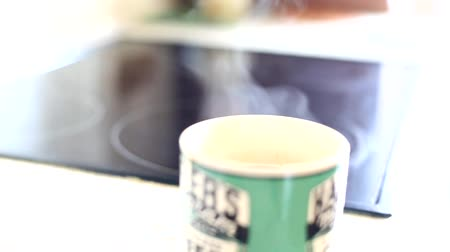 buharlama : Hot coffee with a smoke Stok Video