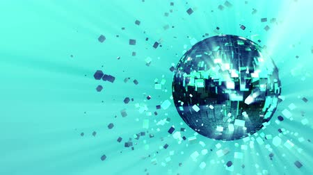 fiação : 3d abstract looped animated background: pulsating spinning glow disco ball composed of cubes green-blue-turquoise color shinny streaks of light and shards of crystals. Reflecting rays.