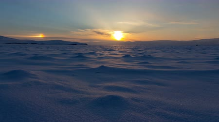 capa dura : Winter landscape. Beautiful sunset in the Lake Baikal Vídeos