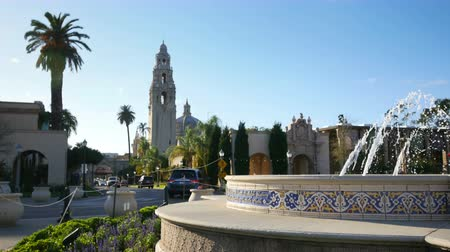bonding : High quality timelapse video of fountain in Balboa Park in San Diego in 4K
