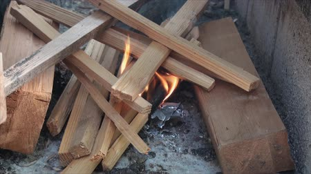 kamp ateşi : Close up of starting fire in fire pit made of building blocks 2.