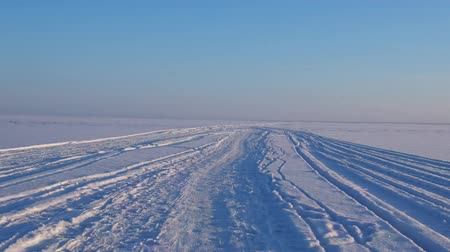 télen : snow road is only wide winter frost. winter road or winter walk through the snowy and icy expanses. hyperlapse