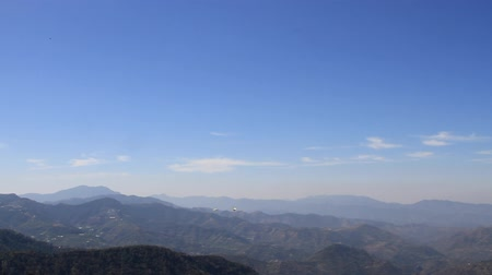 bulutluluk : Himalayas foothills in midst of spring landscape. distance of beautiful mountains in good weather Stok Video
