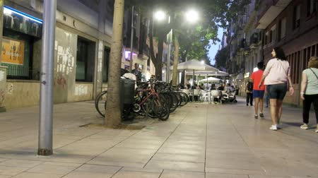 hordes : Spain, Barcelona - October 8, 2017: night city streets after sunset