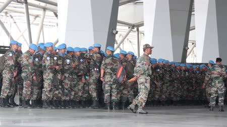 командир : India, new Delhi - April 7, 2018: disposition, soldiers (blue beret, airborne assault force) break into column before the transfer of air transport