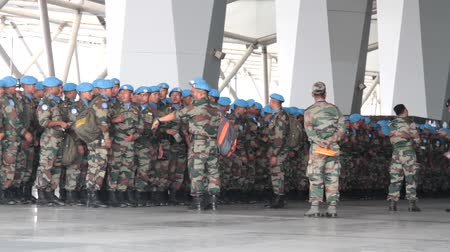 velitel : India, new Delhi - April 7, 2018: disposition, soldiers (blue beret, airborne assault force) break into column before the transfer of air transport