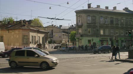 usual : high-motion shooting of a usual Ukrainia street