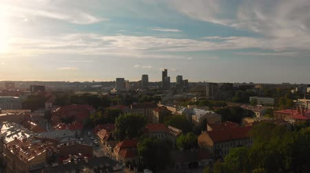 Литва : Aerial view of Vilnius Cathedral Square on summer day Стоковые видеозаписи