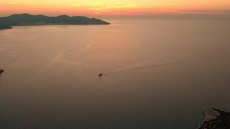 лодки : Scenic aerial view of coastline of Kefalonia during sunset